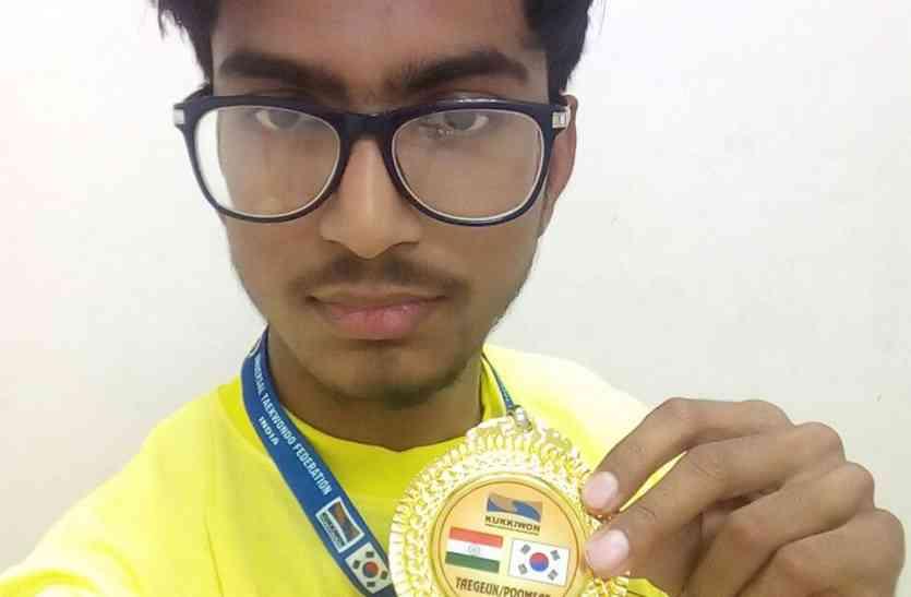 १२ देशों के  खिलाड़ी को हराकर इंटरनेशनल चैम्पियनशिप में जीता गोल्ड, पढि़ए पूरी खबर