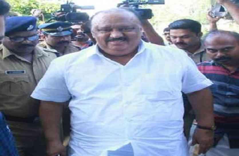 केरल के परिवहन मंत्री थॉमस चांडी ने अपने पद से दिया इस्तीफा, घिरे थे इन आरोपों से