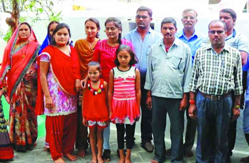 पोस्टमास्टर की बेटी बनी इसरो साइंटिस्ट, मां बोली - जो काम बेटे नहीं कर पाए वो बेटी ने कर दिखाया