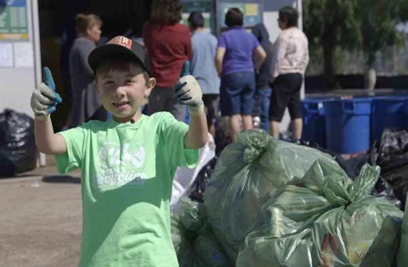 7 साल के इस बच्चे ने खड़ा किया रिसाइक्लिंग बिज़नेस, की लाखों की कमाई