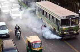 प्रदूषण खतरनाक स्तर पर पहुंचने के बाद भी यूपी के इस शहर में चलेंगी 15 साल पुरानी गाड़ियां