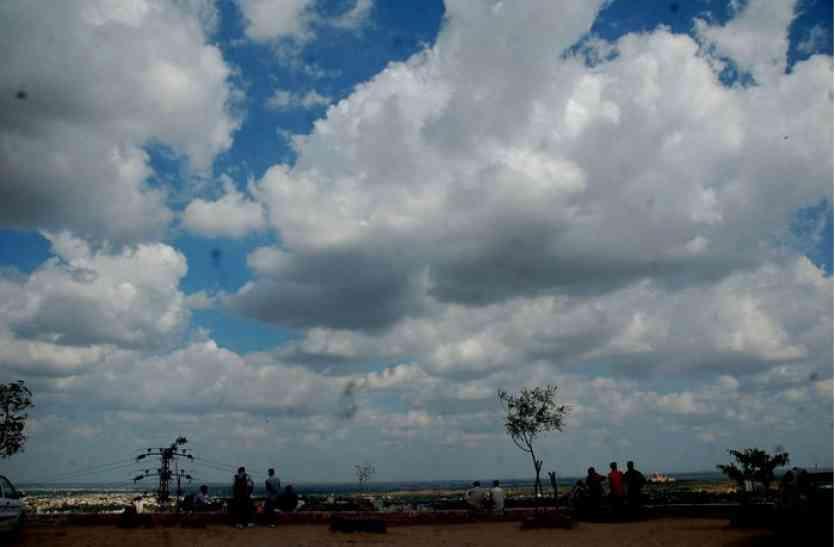 राजधानी में मौसम ने खाया पलटा, बादलों की आवाजाही से तीखे हुए सर्दी के तेवर