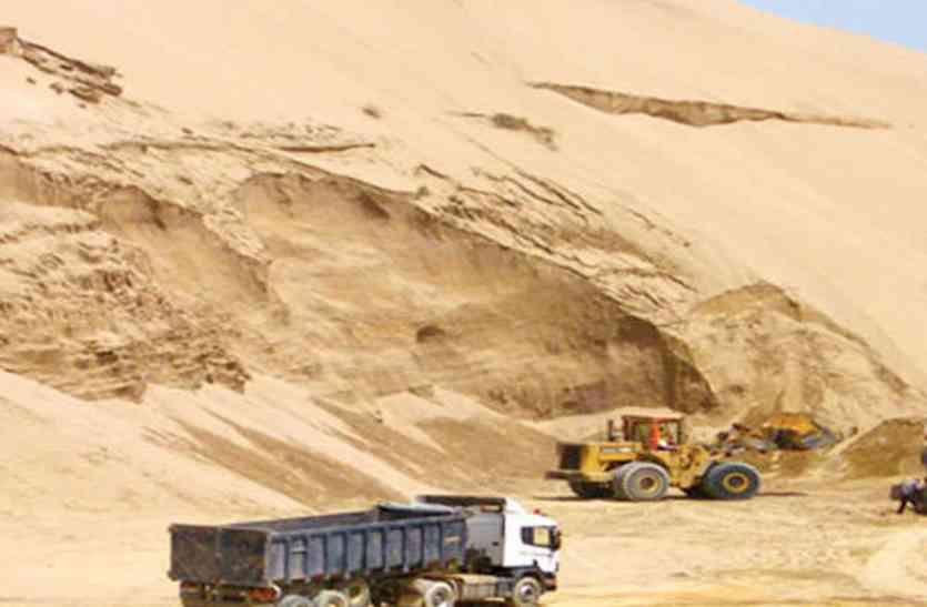 STOP SAND MINING : सुप्रीम कोर्ट की रोक के बाद लीज क्षेत्र में बजरी का खनन बंद : डेढ़ गुणा महंगी दर से ब्लेक में बिकने लगी है रेत