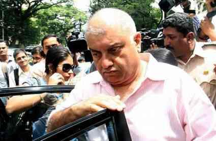 शीना बोरा हत्याकांड: इंद्राणी के आरोपों पर पीटर का पलटवार- छवि खराब करने की कोशिश
