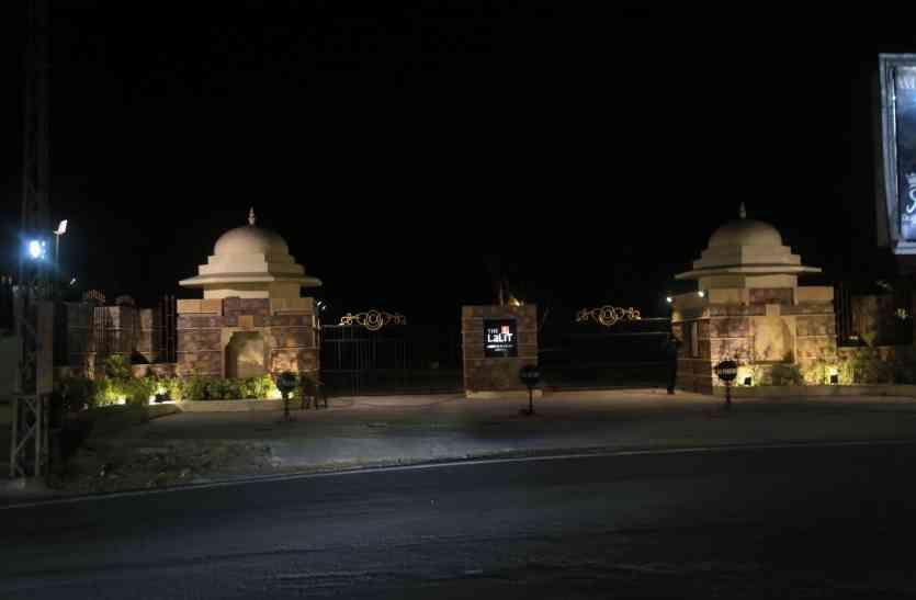 उदयपुर में बिना मंजूरी बने इस पांच सितारा होटल के दो गेट को बंद कराया था निगम ने..लेकिन अब हुआ ये..