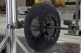 खुशखबरी : NASA ने बनाया अनोखा टायर, न पंचर होगा न ही फटेगा