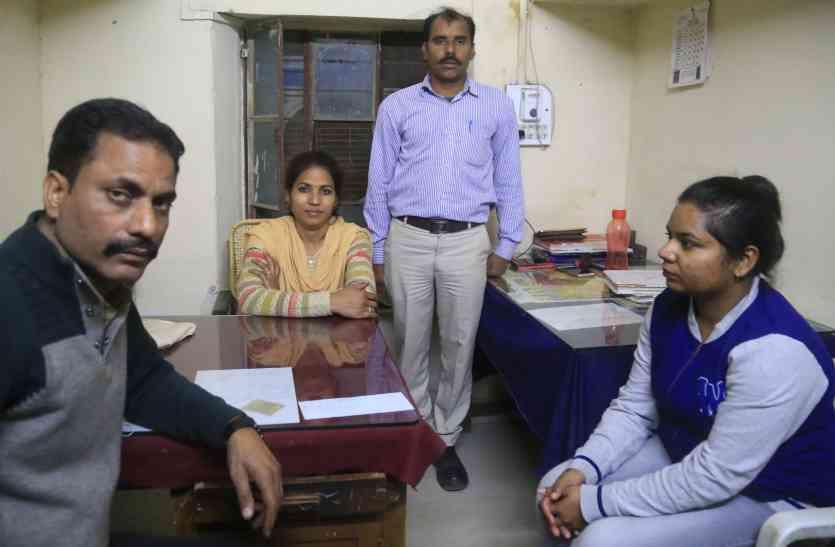 बैंक की महिला शाखा प्रबंधक ने किया शर्मनाक काम,  25 हजार की घूस लेते एसीबी ने किया गिरफ्तार