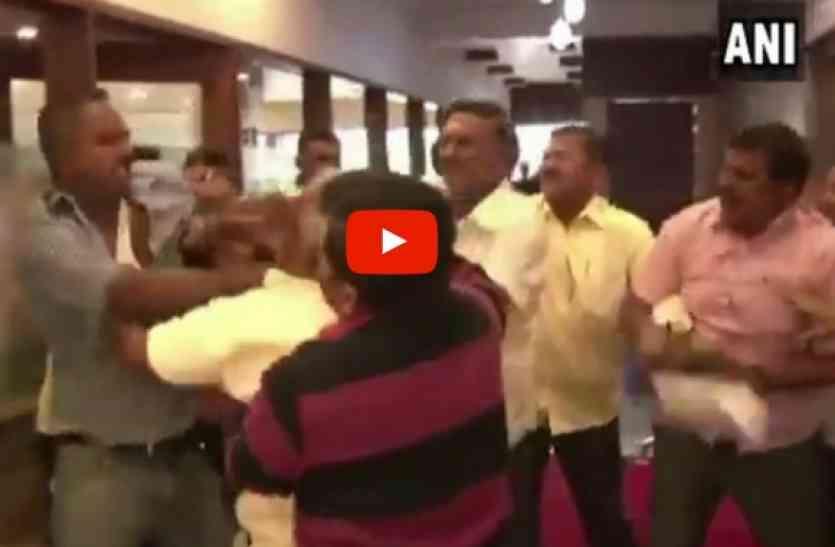 Live Video: सवाल पूछने पर भड़के BJP नेता, कर दी पत्रकार की पिटाई