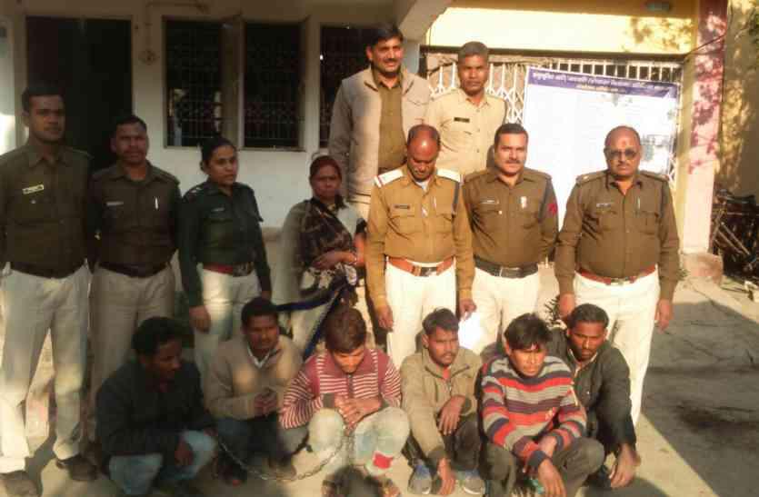 पुलिस ने चोरी के आरोपियों को दबोचा