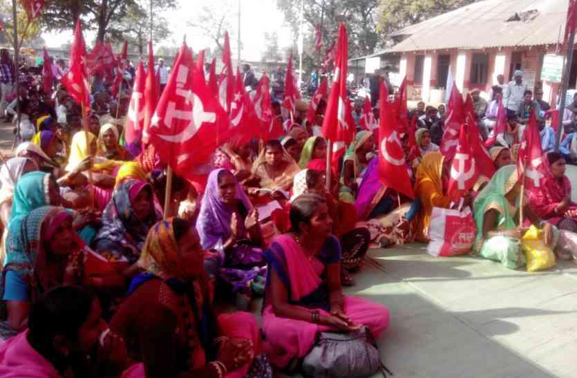 प्रदेश सरकार के विरोध में माकपा का जंगी प्रदर्शन