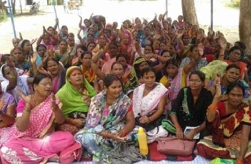 योगी सरकार ने की कार्रवाई,  दो सौ आंगनबाड़ी कार्यकर्ताओं की सेवा होगी समाप्त