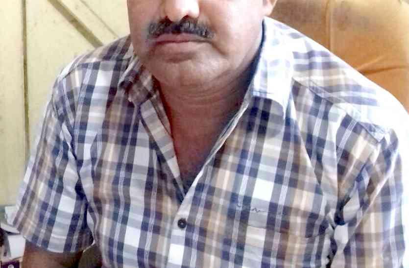 बुरहानपुर : शाहपुर नगर परिषद में लेखापाल और भृत्य को 15 हजार की रिश्वत लेते पकड़ा