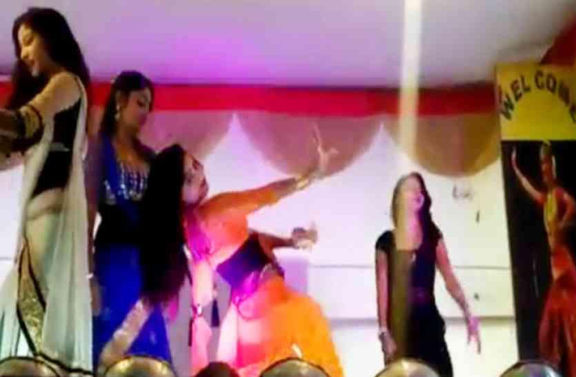 धार्मिक मेले में रात को सजती हैं महफिलें, फिर होता है ऐसा डांस, देखें वीडियो