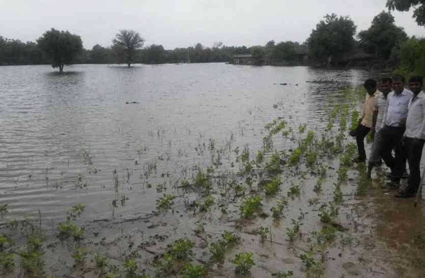 23 दिन बाद भी किसानों के खातों में जमा नहीं हुई मुआवजे की राशि