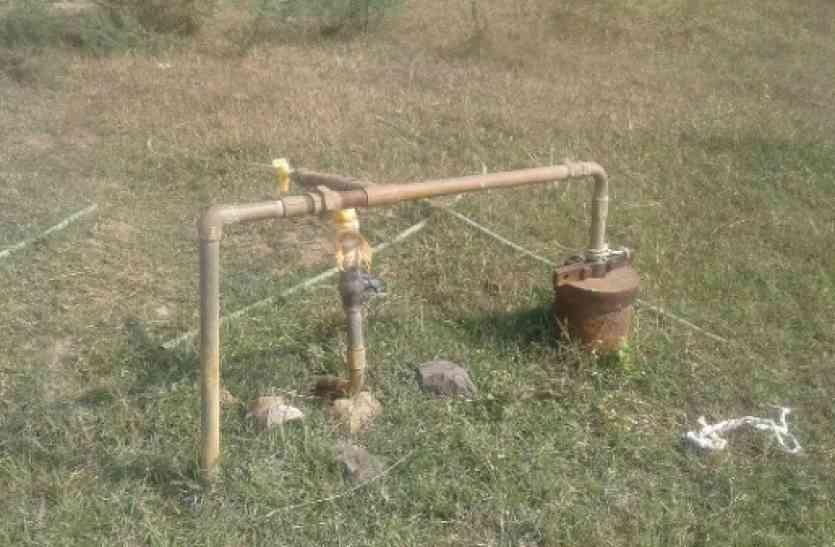 प्राथमिक स्वास्थ्य केन्द्र में पानी की किल्लत