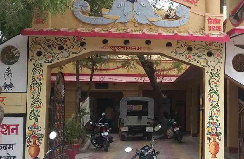 सांचौर पालिकाध्यक्ष के खिलाफ अविश्वास प्रस्ताव को लेकर तीन धड़ों में बंटी भाजपा