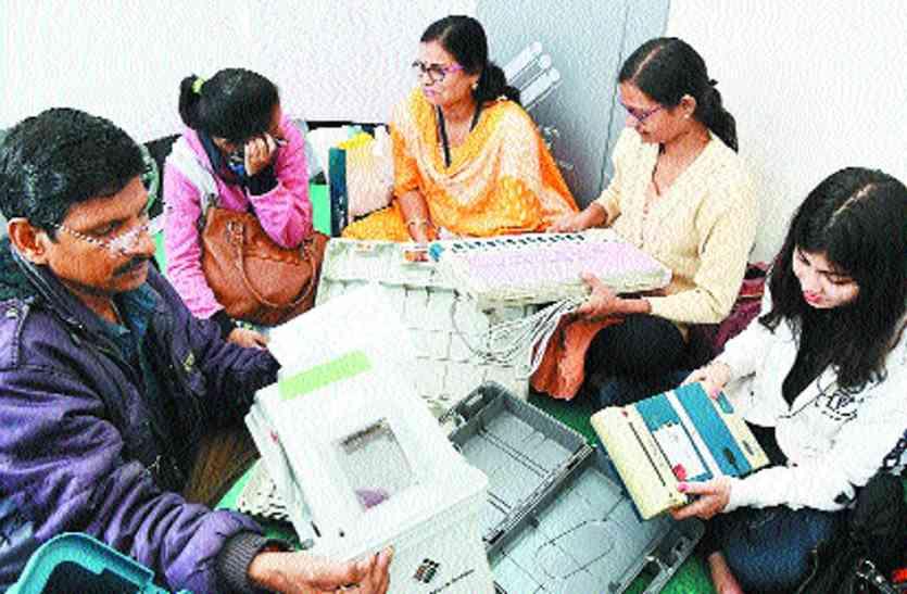 सूरत समेत दक्षिण गुजरात में दिग्गजों की प्रतिष्ठा दांव पर