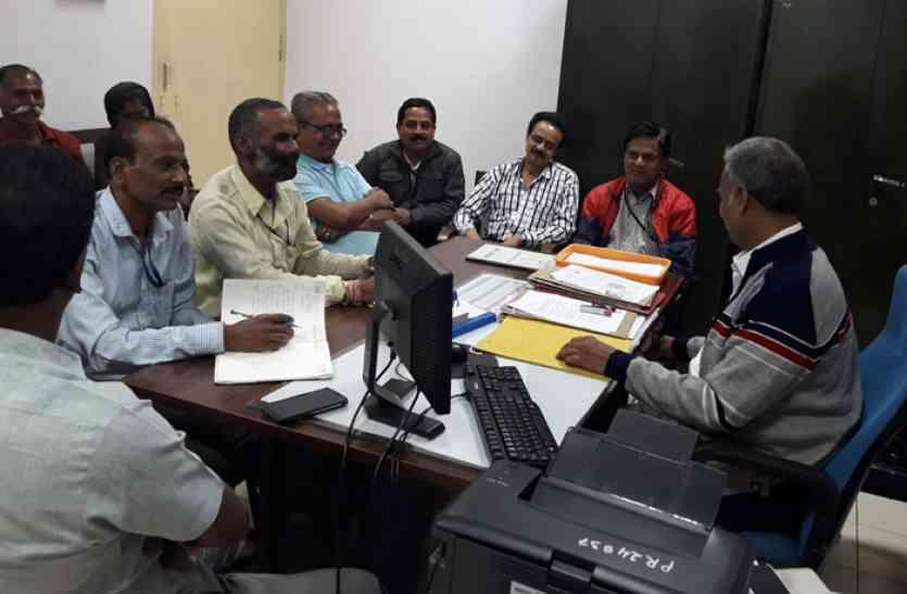 पांचवें दौर की चर्चा भी बेनतीजा:बीएसपी ठेका श्रमिकों का आंदोलन जारी