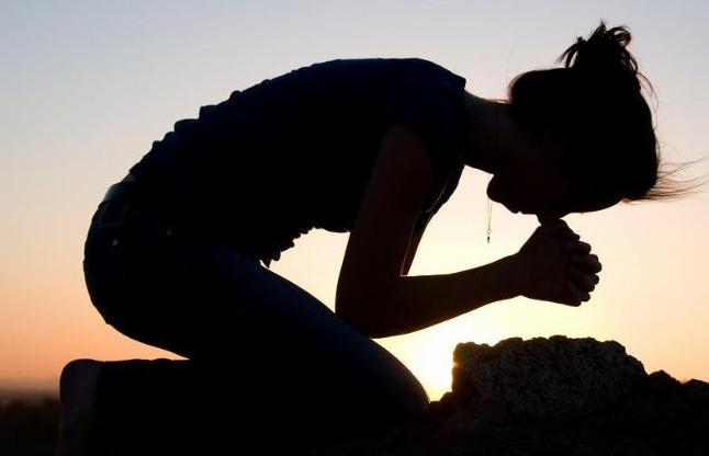 यहां सूखे कंठों से लोग भगवान से कर रहे प्रार्थना