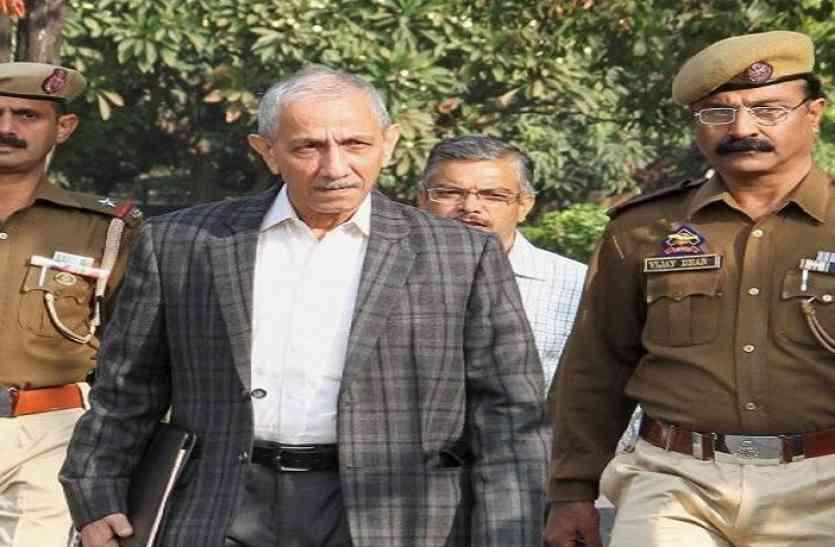 कश्मीर: वार्ताकार दिनेश्वर शर्मा से बात करने पर हुर्रियत ने वरिष्ठ नेता को किया निलंबित
