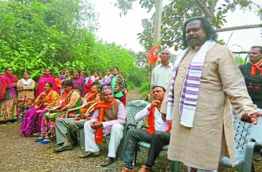 गुजरात चुनाव में नंद कुमार साय ने BJP के लिए मांगे वोट, आप ने चुनाव आयोग से की शिकायत