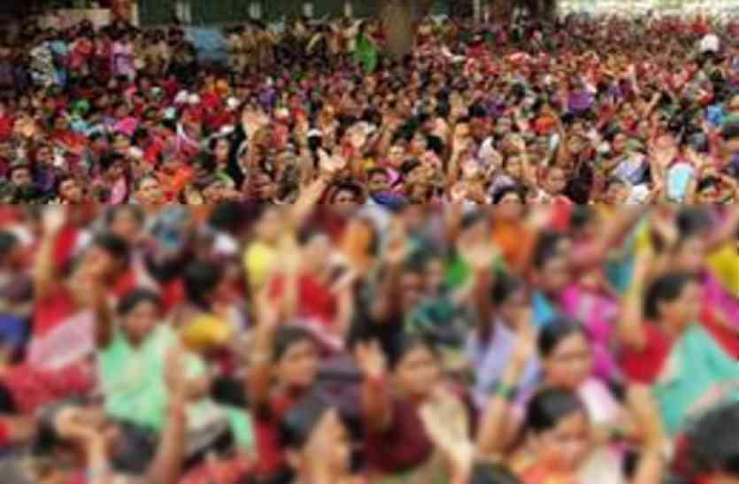 7 दिसंबर तक हड़ताल से वापस नहीं लौटने वालीं 1 हजार आंगनबाड़ी कार्यकर्ताओं की सेवा समाप्त