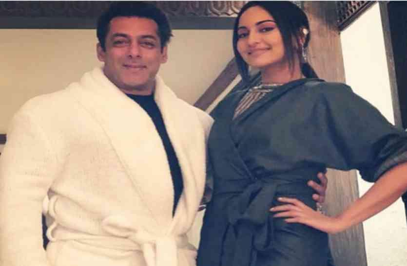 जब दबंग खान ने अपनी रज्जो की ड्रेस को बाथरोब समझ की उनकी COPY, तस्वीर हुई जमकर वायरल