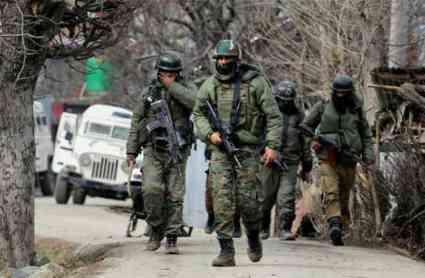 कश्मीर: बारामूला-हंदवाड़ा में सेना ने मार गिराए 2 आतंकी, एक जिंदा पकड़ा