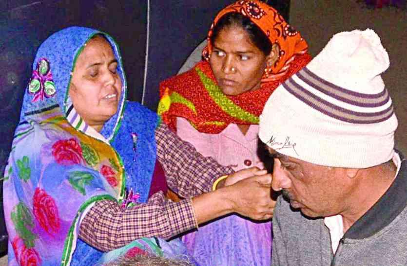 राजस्थान के इस जिले में हुआ दर्दनाक हादसा, टक्कर से उड़े ठेली, खोखे, लोगों को कुचलती हुई निकल गई कार