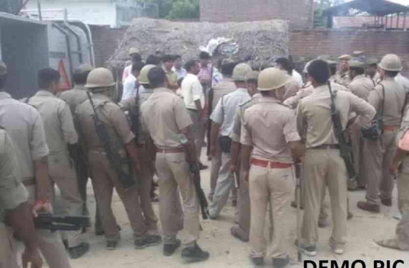 यूपी के जौनपुर में दो समुदायों में तनाव, पुलिस फोर्स तैनात