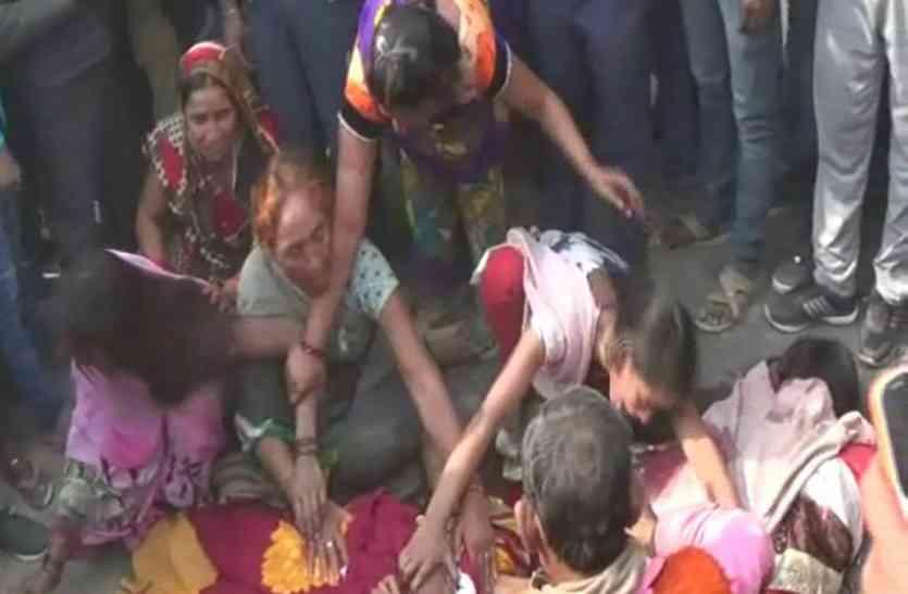 जौनपुर में बड़ा सड़क हादसा, सड़क किनारे खड़ी मां-बेटी को ट्रक ने रौंदा