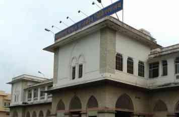उदयपुर के एमबी हॉस्पिटल के ट्रोमा वार्ड में ट्रोली के नाम पर रोगियों से लूट खसोट, चेहरा देख लेते पैसे