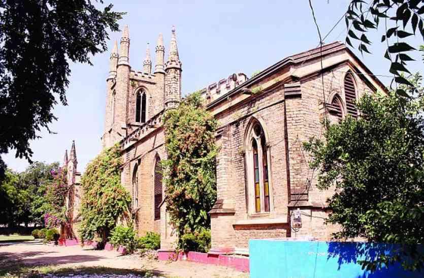 ब्रिटिश आर्मी के अफसरों ने बनवाया था ये चर्च, इस सिंधिया शासक ने चढ़ाया था घंटा