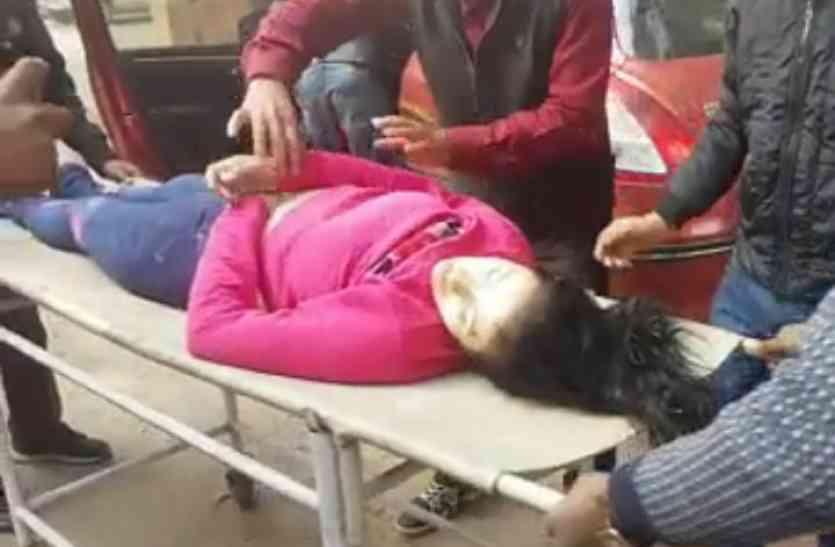 यमुना एक्सप्रेसवे पर दर्दनाक हादसा, विदेशी महिला समेत दो की मौत