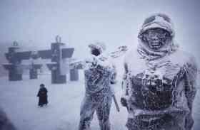 ये है पृथ्वी का सबसे ठंडा गांव जहां तापमान -71.2 c से भी हो जाता है कम, मोबाइल भी नहीं करते काम