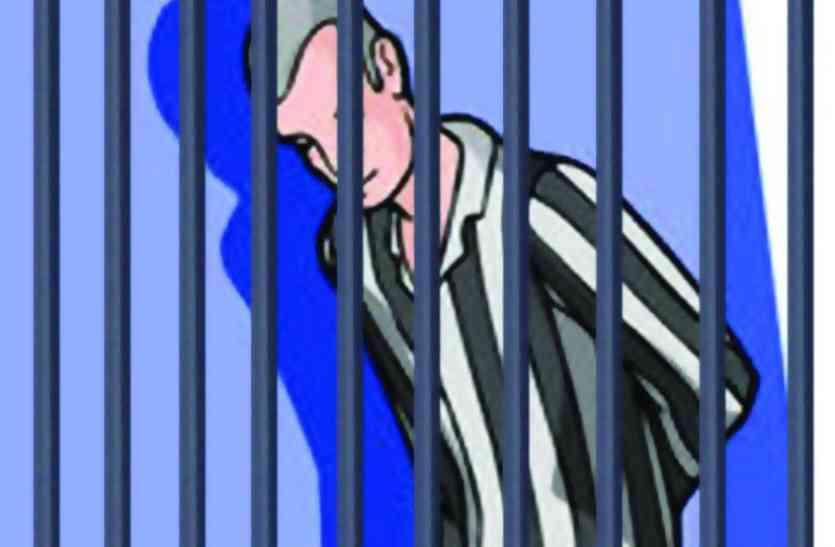 पुलिस अभिरक्षा से आरोपी फरार