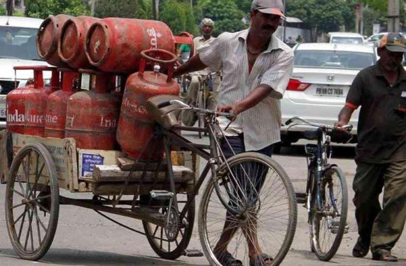 हिन्दुस्तान पेट्रोलियम गैस ने उदयपुर में की शुरुआत: न डायरी चाहिए,ना कूपन, कार्ड स्वाइप किया मतलब गैस डिलीवरी हो गई