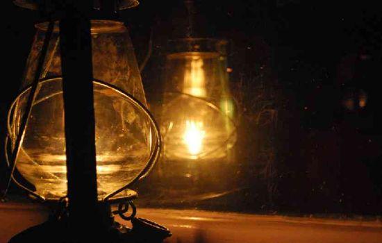 गजब कर दिया, आर्थिक राजधानी में आजादी के बाद से नहीं मिली हजारों लोगों को बिजली