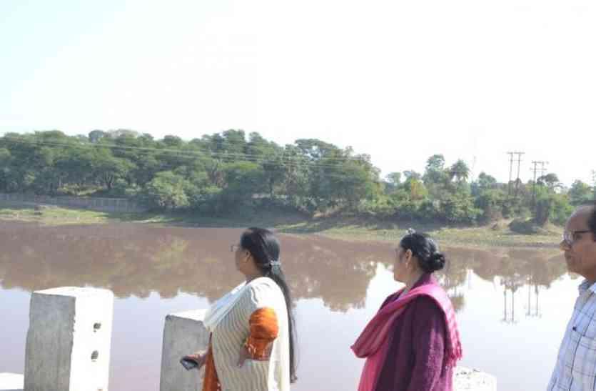 शिवना के जहर को जांचने आई प्रदूषण बोर्ड की टीम