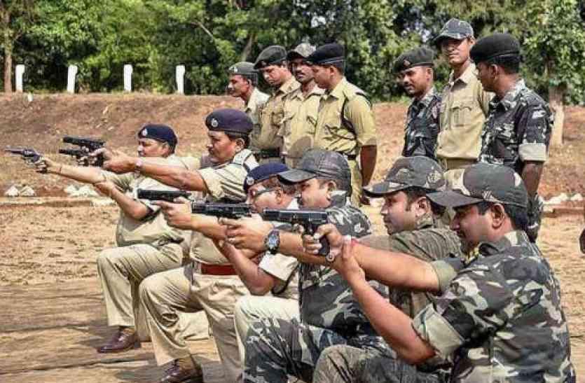 पुलिस में तनाव की थर्ड डिग्री,अपने ही खिलाफ मामला दर्ज कर रही पुलिस