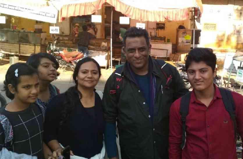 Jaisalmer News- इस विख्यात फिल्म निर्देशक का यह बयान हुआ वायरल, कमाई के लिए फिल्मों में बढ़ रही अश्लिलता को लेकर कहा कुछ ऐसा कि...