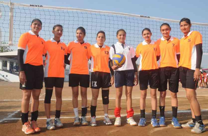 गुजरात की टीम में एक ही गांव की आठ लड़कियां, इनमें भी पांच बहनें