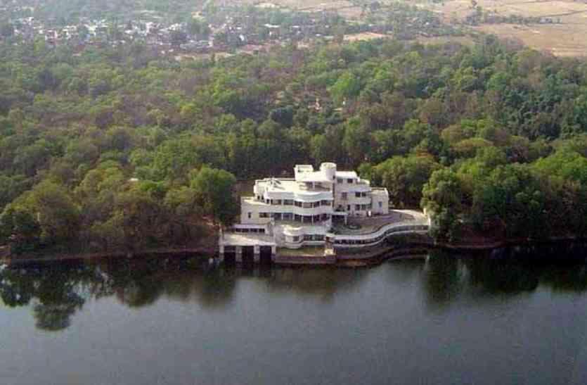दो दिन तक PM MODI रहेंगे सिंधिया के इस आलीशान महल में, झील किनारे बने पैलेस की खूबसूरती होश उड़ा देगी