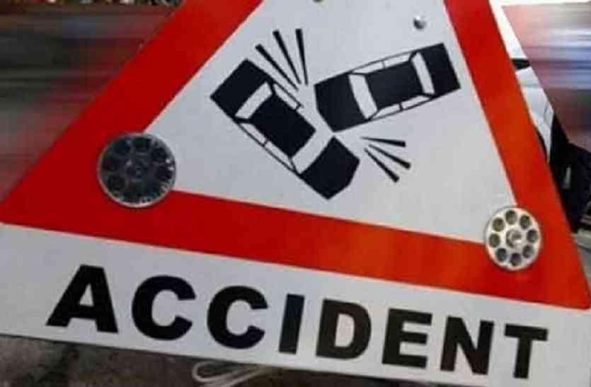 यूपी के आजमगढ़ में सड़क हादसा, मां-बेटे की दर्दनाक मौत
