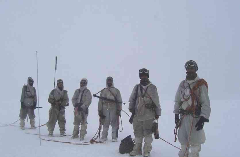 #KarSalaam: सियाचीन की -50 वाली सर्दी में भी सीना ताने रहते हैं जवान, रोंगटे खड़े देगा सच