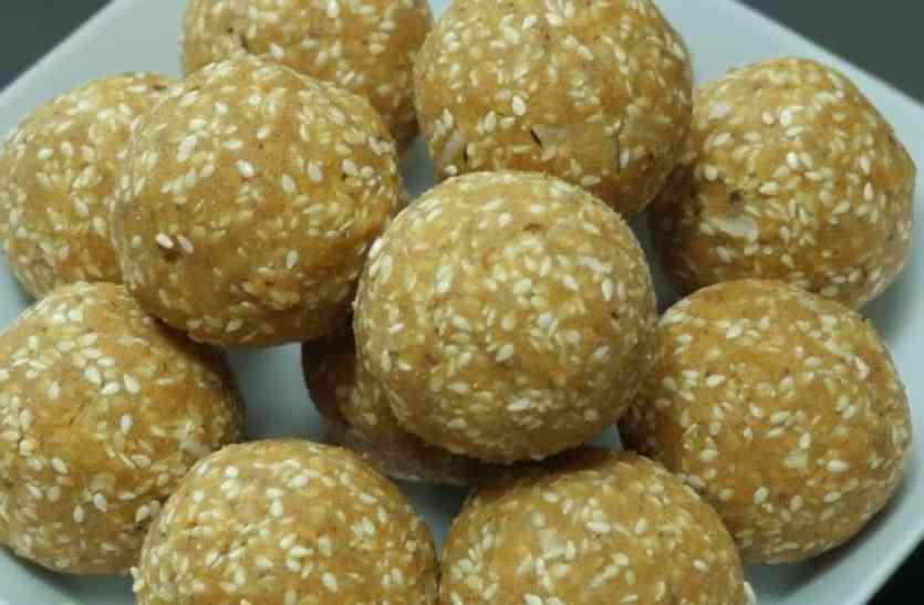 सर्दियों में खाएं चावल गुड़ के लड्डू