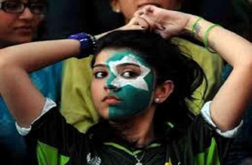 लगातार तीसरी हार से निराशा में क्रिकेट फैन, अब अफगानिस्तान ने भी पाक को धोया