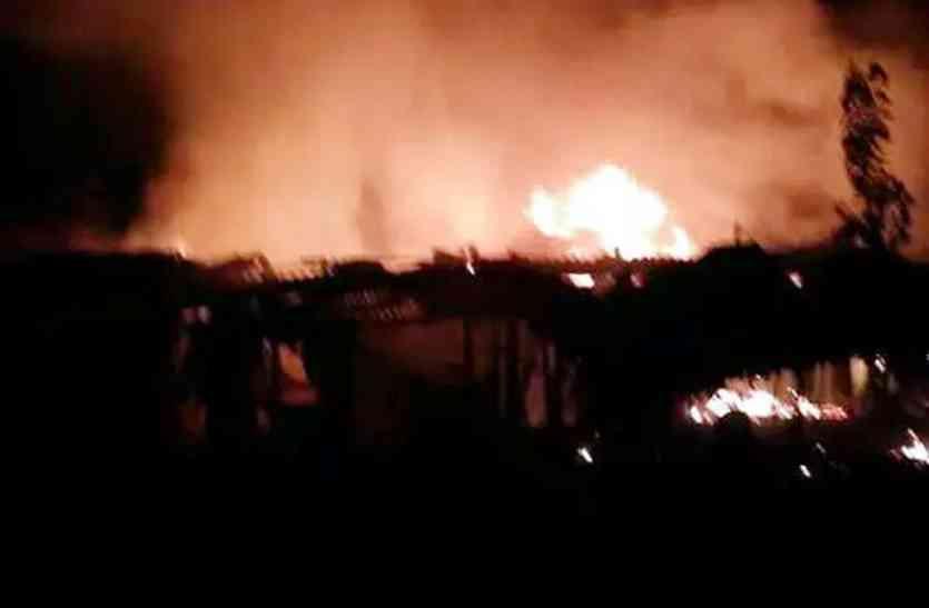 राष्ट्र कथा शिविर में भीषण आग, तीन छात्राओं की मौत