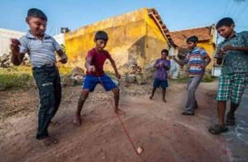 डूंगरपुर : क्रिकेट की मार, हमारे परम्परागत खेल हो गए बाउंड्री से बाहर