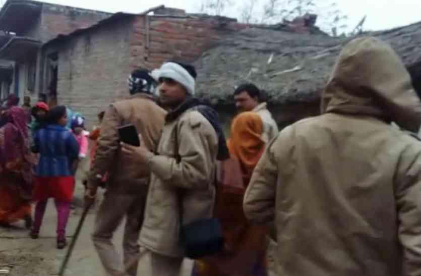 अंबेडकर की प्रतिमा को लेकर दो पक्षों में विवाद, गांव में पुलिस फोर्स तैनात
